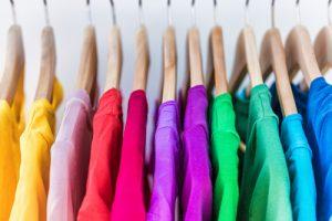 Sprzedaż używanych ubrań na aukcjach