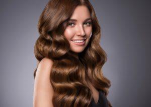 cieniowanie włosów długich