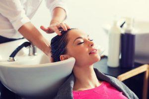 cieniować włosy