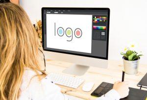 projektowania logo